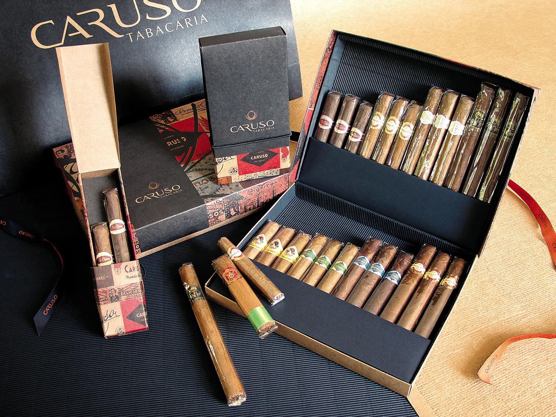 chelles-e-hayashi-design-portfolio-caruso-tabacaria-marca-experiencia-embalagem-identidade-visual-caixa-charuto