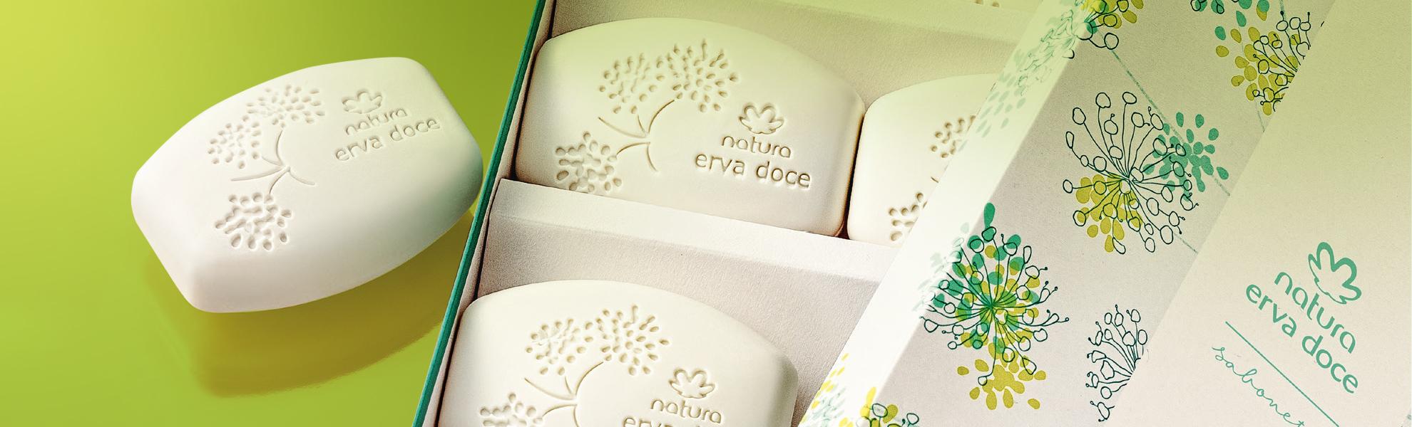 chelles-e-hayashi-design-portfolio-natura-erva-doce-sabonetes-produto-grafico-embalagem